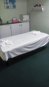 queen-bee-massage-room-picture